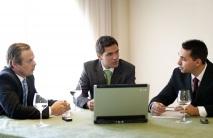 bestof-10044-ejecutivos-reunidos